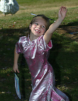 children smile wave happy