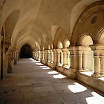 France, Burgundy, Côte d'Or, Fontenay Abbey - cloister | Frankreich, Burgund, Côte d'Or, Fontenay: Fontenay Kloster - Kreuzgang