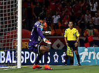 MEDELLIN - COLOMBIA -04-03-2017: Jefferson Duque (Fuera de Cuadro), jugador Deportivo Cali, anota gol a David Gonzalez, portero del Deportivo Independiente Medellin, durante entre Deportivo Independiente Medellin y Deportivo Cali, por la fecha 8 de la Liga Aguila I 2017, en el estadio Atanasio Girardot de la ciudad de Medellin. / Jefferson Duque (Out of Frame), player of Deportivo Cali, scored goal to David Gonzalez goalkeeper of Deportivo Independiente Medellin during a match between Deportivo Independiente Medellin and Deportivo Cali for the date 8 of the Liga Aguila I 2017 at the Atanasio Girardot stadium in Medellin city. Photo: VizzorImage  / Luis Ramirez / Staff.
