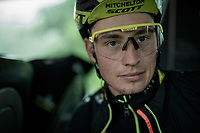 as it is a super rainy stage 5 start; Lucas Hamilton (AUS/Mitchelton-Scott) stays in the dryness of the teambus for as long as possible before the actual race start; as is <br /> <br /> Stage 5: Frascati to Terracina (140km)<br /> 102nd Giro d'Italia 2019<br /> <br /> ©kramon