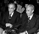 FRANCESCO COSSIGA CON ALDO MORO -  TEATRO SISTINA ROMA 1977