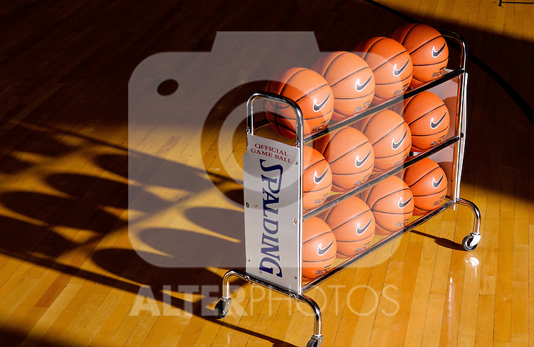 Basketballs on a rack, EXPA Pictures © 2010, PhotoCredit: EXPA/ New Sport *** ATTENTION *** United States of America OUT!