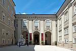 Oesterreich, Salzburger Land, Salzburg: Innenhof der alten Residenz | Austria, Salzburger Land, Salzburg: courtyard of the Old Residence