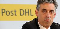 Pressekonferenz und Eröffnungszeremonie der Zusammenarbeit von DHL und Lufthansa Cargo als AeroLogic - Luftfracht Air Cargo Post - mit 8 Boeing 777 (B777F) wird begonnen -  im Bild: Frank Appel ( DHL Deutsche Post) . Porträt . Foto: Norman Rembarz..