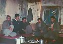 Iraq 1986 .In Surien,peshmergas resting .Irak 1984 .A Surien, Peshmergas se reposant