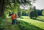 Germany, Thuringia, near Vesser (Suhl): hiking at biosphere reserve Vesser Valley | Deutschland, Thueringen, bei Vesser (Suhl): Wandern im Biosphaerenreservat Vessertal