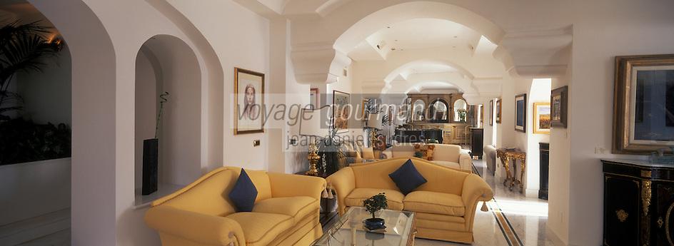 "Europe/Italie/Côte Amalfitaine/Ravello : Salons et bar de l'hôtel ""Palazzo Sasso"" via San Giovanni del Toro"
