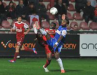 KV Kortrijk - Racing Genk : duel tussen Ernest Nfor en Khaleem Hyland.foto VDB / BART VANDENBROUCKE