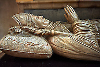 Tomb of Robert Creyghton, Treasurer of Wells & Bishop 1070-1072 in the medieval Wells Cathedral built in the Early English Gothic style in 1175, Wells Somerset, England
