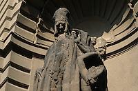Tschechien, Prag, Rabbi Loew und Golem am neuen Rathaus, Unesco-Weltkulturerbe