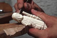 Europe/France/Auverne/63/Puy-de-Dôme/Parc Naturel Régional du Livradois-Forez/Thiers: Le musée des couteliers - Sculpture et gravure sur ivoire //  France, Puy de Dome, Thiers, the Cutlery Museum ,Sculpture and carving ivory