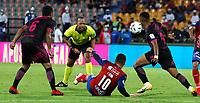 MEDELLÍN - COLOMBIA, 08-10-2021:Nolberto Ararat Mora referee central  entre el Independiente Medellín y el Envigado en partido por la fecha 13 como parte de la Liga BetPlay DIMAYOR II 2021 jugado en el estadio Atanasio Girardot  de la ciudad de Medellín. / Central referee Nolberto Ararat Mora central referee between Independiente Medellin and Envigado in match for the date 13 as part of the BetPlay DIMAYOR League II 2021 played at Atanasio Girardot stadium in Medellin city.. Photo: VizzorImage / Donaldo Zuluaga / Contribuidor