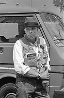 - Joseph Beuys; Krefeld, 12 maggio 1921 – Düsseldorf, 23 gennaio 1986) , pittore, scultore e artista tedesco. Qui nel giugno 1982 durante una manifestazione pacifista a Bonn.<br /> <br /> - Joseph Beuys; Krefeld, May 12, 1921 - Düsseldorf, January 23, 1986), German painter, sculptor and artist. Here in June 1982 during a pacifist event in Bonn