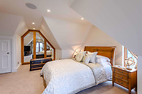 BNPS.co.uk (01202) 558833. <br /> Pic: TailorMade/BNPS<br /> <br /> Pictured: Bedroom. <br /> <br /> A multi-millionaire is hoping to have a shot at selling his luxury mansion - by throwing a hi-tech golf simulator into the deal.<br />  <br /> Golf-loving Barry Bester put the waterfront property on Sandbanks, Dorset, on the market for £11m last year.<br />  <br /> He is now offering his £40,000 state-of-the-art simulator he has had built on the grounds with the sale.