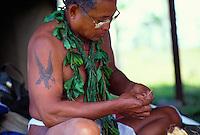 Master Navigator Mau Piailug weaving fibers