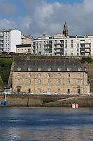 France, Bretagne, (29), Finistère, Brest:  Arsenal de Brest, Base Navale, Le Bâtiment des subsistances ou Bâtiment des fours, est un vestige de la boulangerie des Onze Fours, abrite maintenant le commandement de la Base Navale,