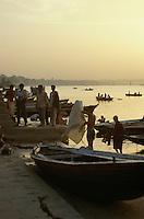 Boote am Ganges, Varanasi (Uttar Pradesh), Indien