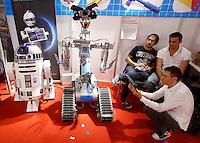 Robot alla Maker Faire, mostra sull'innovazione tecnologica, a Roma, 4 ottobre 2014.<br /> Robots displayed at the Maker Faire exhibition on technological innovation in Rome, 4 October 2014.<br /> UPDATE IMAGES PRESS/Riccardo De Luca