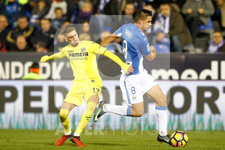 CD Leganes' Gabriel Pires (r) and Villarreal CF's Samu Castillejo during La Liga match. December 3,2016. (ALTERPHOTOS/Acero)