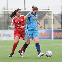 20180414 - DIKSMUIDE , BELGIUM : Diksmuide Merkem's Laure Delheye (R) and Kontich's Lisa Verbraeken (L) pictured during a soccer match between the women teams of Famkes Westhoek Diksmuide Merkem and KFC Kontch  , during the 22th matchday in the 2017-2018  Eerste klasse - First Division season, Saturday 14 April 2018 . PHOTO SPORTPIX.BE | DIRK VUYLSTEKE