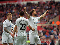 Fernando Llorente of Swansea City (R) celebrates his goal with team mates  during to the Premier League match between Sunderland and Swansea City at the Stadium of Light, Sunderland, England, UK. Saturday 13 May 2017