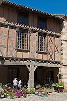 Europe/France/Midi-Pyrénées/82/Tarn-et-Garonne/Auvillar: Vieille demeure à colombages sur la place de la halle