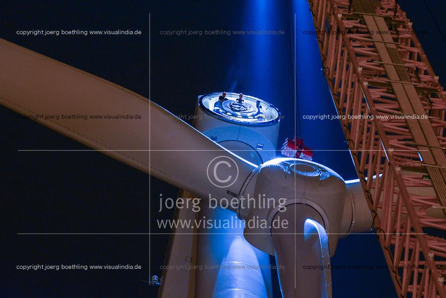 GERMANY Hamburg, construction of new Nordex wind turbine at water treatment plant of Hamburg Wasser art night / DEUTSCHLAND Hamburg, Aufbau einer Nordex Windkraftanlage auf dem Gelaende des Klaerwerk Koehlbrandhoeft von Hamburg Wasser