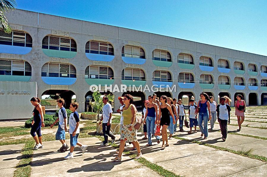 Escola Estadual, CIEP em Itabapoana. Rio de Janeiro. 2000. Foto de Juca Martins.