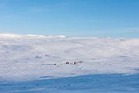 Berghuetten des Norwegischen Wanderverein, DNT, auf der Hardangervidda Hochebene im Winter.<br /> Die Hochebene ist ein Plateaufjell in Norwegen und die groesste Hochebene Europas.<br /> 10.1.2020, Dyranut, Hardangervidda<br /> Copyright: Christian-Ditsch.de<br /> [NUR FUER REDAKTIONELLE ZWECKE! Werbung nur auf Anfrage beim Fotografen.Inhaltsveraendernde Manipulation des Fotos nur nach ausdruecklicher Genehmigung des Fotografen. Vereinbarungen ueber Abtretung von Persoenlichkeitsrechten/Model Release der abgebildeten Person/Personen liegen nicht vor. NO MODEL RELEASE! Don't publish without copyright Christian-Ditsch.de, Veroeffentlichung nur mit Fotografennennung, sowie gegen Honorar, MwSt. und Beleg. Konto: I N G - D i B a, IBAN DE58500105175400192269, BIC INGDDEFFXXX, Kontakt: post@christian-ditsch.de<br /> Bei der Bearbeitung der Dateiinformationen darf die Urheberkennzeichnung in den EXIF- und  IPTC-Daten nicht entfernt werden, diese sind in digitalen Medien nach §95c UrhG rechtlich geschuetzt. Der Urhebervermerk wird gemaess §13 UrhG verlangt.]