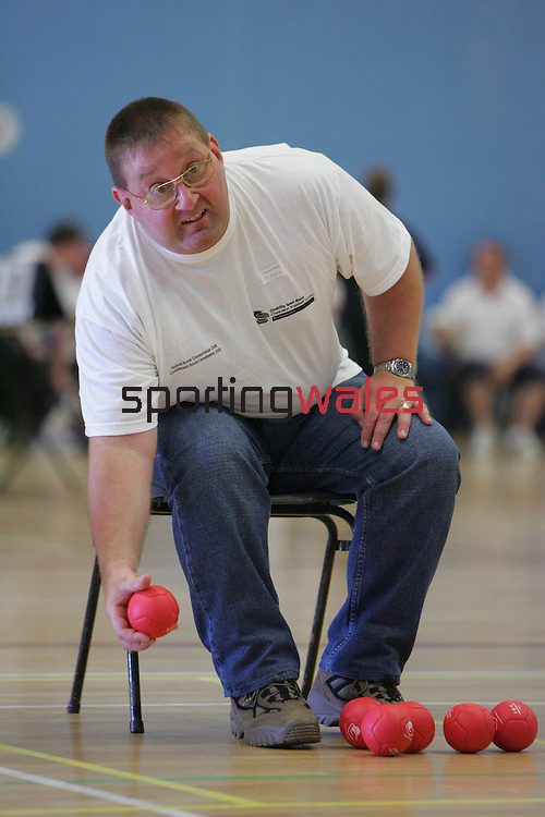 Welsh Boccia Championship.Cwmbran Stadium.02.07.06.©Steve Pope.Steve Pope Photography.The Manor .Coldra Woods.Newport.South Wales.NP18 1HQ.07798 830089.01633 410450.steve@sportingwales.com.