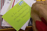 Ankunft des Weihnachtsmann in Himmelpfort.<br /> <br /> 14.11.2018, Himmelpfort<br /> Copyright: Christian-Ditsch.de<br /> [Inhaltsveraendernde Manipulation des Fotos nur nach ausdruecklicher Genehmigung des Fotografen. Vereinbarungen ueber Abtretung von Persoenlichkeitsrechten/Model Release der abgebildeten Person/Personen liegen nicht vor. NO MODEL RELEASE! Nur fuer Redaktionelle Zwecke. Don't publish without copyright Christian-Ditsch.de, Veroeffentlichung nur mit Fotografennennung, sowie gegen Honorar, MwSt. und Beleg. Konto: I N G - D i B a, IBAN DE58500105175400192269, BIC INGDDEFFXXX, Kontakt: post@christian-ditsch.de<br /> Bei der Bearbeitung der Dateiinformationen darf die Urheberkennzeichnung in den EXIF- und  IPTC-Daten nicht entfernt werden, diese sind in digitalen Medien nach §95c UrhG rechtlich geschuetzt. Der Urhebervermerk wird gemaess §13 UrhG verlangt.]