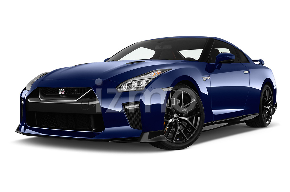 Stock pictures of low aggressive front three quarter view of 2017 Nissan GT-R Black-Edition 2 Door Coupe Low Aggressive