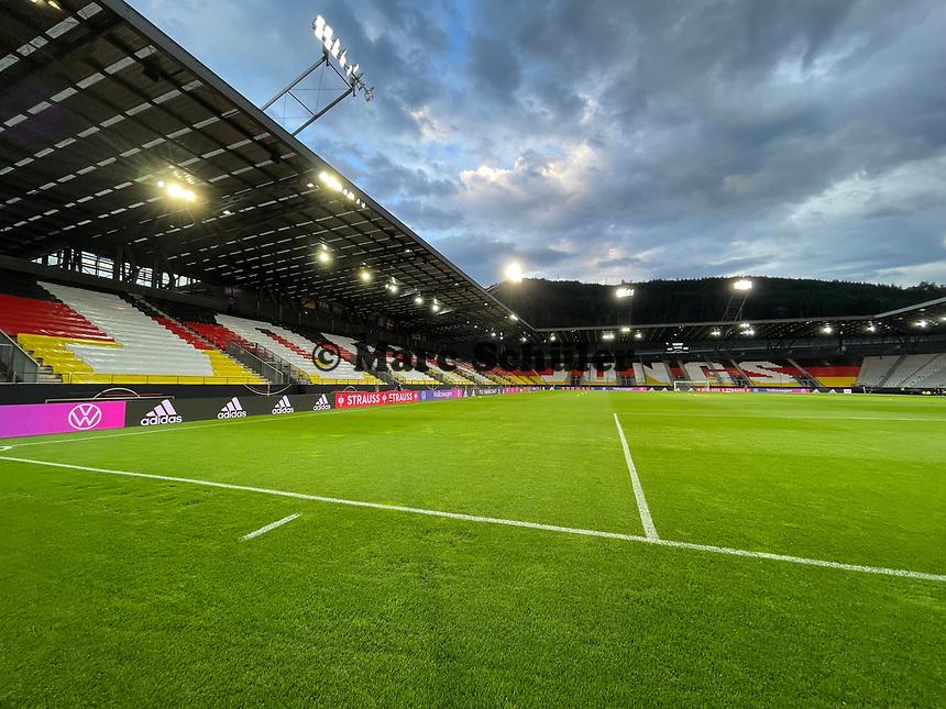 Aufschrift Jogis Jungs im Innenraum des Tivoli Stadions - Innsbruck 02.06.2021: Deutschland vs. Daenemark, Tivoli Stadion Innsbruck