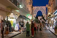 Corso Vittoria Colonna in Porto, Ischia, Italien.