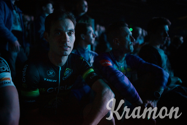 Nys' buddy & (also retiring) teammate Sven Vanthourenhout (BEL/Crelan-AADrinks) enjoying the start of the show from inside the arena<br /> <br /> 'Merci Sven' (twice!) sold out arena event: <br /> tribute-show celebrating Sven Nys' career/retirement together with 18.000 people in the Sportpaleis Arena