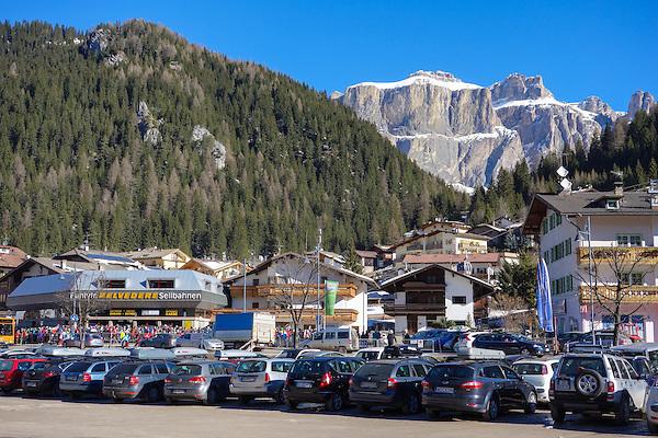 Belvedere Seilbahnen in Canazei, Dolomites, Italy