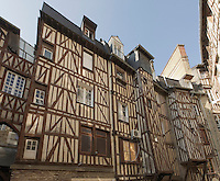 Maison a colombage dans une cour intérieure, rue de la Motte Fablet