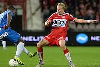 KV Kortrijk - KRC Genk : Tomislav Kis (r) in een duel met Christian Kabasele (links) <br /> Foto VDB / Bart Vandenbroucke
