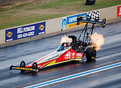 NHRA Mello Yello Drag Racing Series<br /> Mopar Mile-High NHRA Nationals<br /> Bandimere Speedway, Morrison, CO USA<br /> Saturday 22 July 2017 Doug Kalitta, Mac Tools, top fuel dragster<br /> <br /> World Copyright: Mark Rebilas<br /> Rebilas Photo