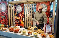 Nederland - Amsterdam -  2020. HORECAVA beurs. Dit jaar zijn er veel vegetarische en vegan producten te proeven.  Vegan spreads van Delisol.  Plantaardig voedsel is onderdeel van de oplossing van het stikstofprobleem.   Foto mag niet in negatieve / schadelijke context gepubliceerd worden.  Foto Berlinda van Dam / Hollandse Hoogte