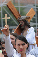 MEDELLÍN -COLOMBIA-29-03-2013. Actores recrean la pasión y muerte de Jesús durante la celebración del viernes Santo en el Barrio Robledo en Medellín, Colombia.  El Viernes Santo es una de las principales celebraciones de la religión del Cristianismo, dentro de la denominada Semana Santa. Este día se recuerda la Muerte de Jesús de Nazaret y la la Iglesia Católica manda a sus fieles guardar ayuno y abstinencia de carne como penitencia./ Actors recreate the passion and death of Jesus during the celebration of Good Friday at Robledo neighborhood in Medellin , Colombia. The Good Friday is one of the most important celebrations of the Christianity religion,  in Holy Week. This day remembers the death of Jesus of Nazareth and the Catholic Church orders to its believers to keep fasting and abstinence of meet as a penance.  Photo:VizzorImage/Luis Ríos/STR