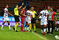 MEDELLÍN-COLOMBIA, 10-10-2019: Luis Fernando Trujillo, arbitro, muestra tarjeta amarilla a Matías Pérez (10) de Cúcuta Deportivo, durante partido de la fecha 16 entre Deportivo Independiente Medellín y Cúcuta Deportivo, por la Liga Águila II 2019, en el estadio Atanasio Girardot de la ciudad de Medellín. / Luis Fernando Trujillo, referee  shows yellow card to Matias Perez (10) of Cucuta Deportivo, during a match for the 16th date between Deportivo Independiente Medellin and Cucuta Deportivo, for the Aguila Leguaje II 2019 at the Atanasio Girardot stadium in Medellin city. Photos: VizzorImage  / León Monsalve / Cont