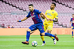 Luis Alberto Suarez Diaz of FC Barcelona (L) fights for the ball with Ximo Navarro Jimenez (R) of UD Las Palmas  during the La Liga 2017-18 match between FC Barcelona and Las Palmas at Camp Nou on 01 October 2017 in Barcelona, Spain. (Photo by Vicens Gimenez / Power Sport Images