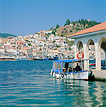 Greece, Attica, Saronic Islands, Island Poros: View over Poros-Town and harbour | Griechenland, Attika, Saronischen Inseln, Insel Poros: Die Stadt Poros mit Hafen
