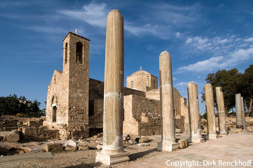 Zypern (Süd), Pafos,  Agia Kyriaki (14.Jh) in den Ruinen der fünfschiffigen Basilika  Panagia Chrysopolitissa aus dem 4. Jahrhundert