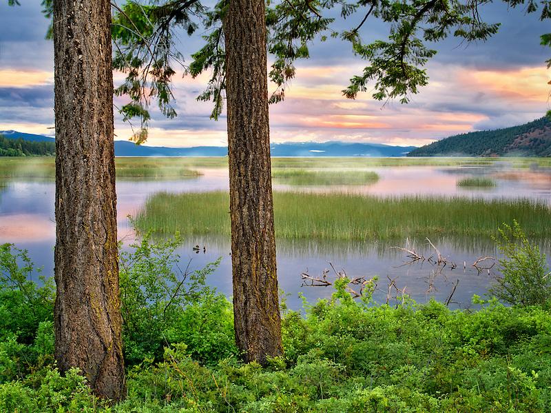 Shoalwater Bay on Upper Klamath Lake at sunrise. Oregon