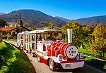 Deutschland, Bayern, Oberbayern, Tegernseer Tal, Tegernsee, Bad Wiessee: unterwegs mit dem Bad Wiesseer Berg-Zuegerl | Germany, Bavaria, Upper Bavaria, Tegernseer Valley, Bad Wiessee: sightseeing train