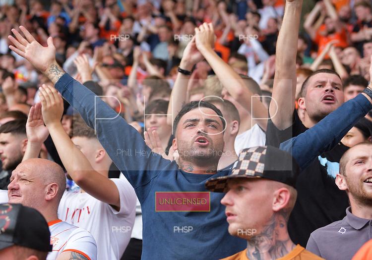 11/09/2021 Sky Bet Championship Blackpool v Fulham<br /> <br /> Fans celebrate