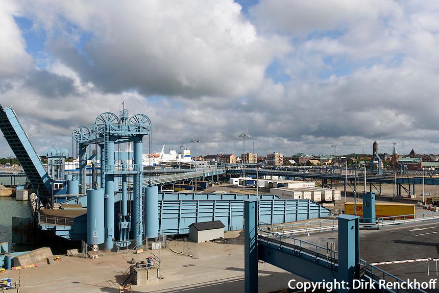 Fährhafen von Trelleborg, Provinz Skåne (Schonen), Schweden, Europa<br /> Ferryport  in Trelleborg, Sweden