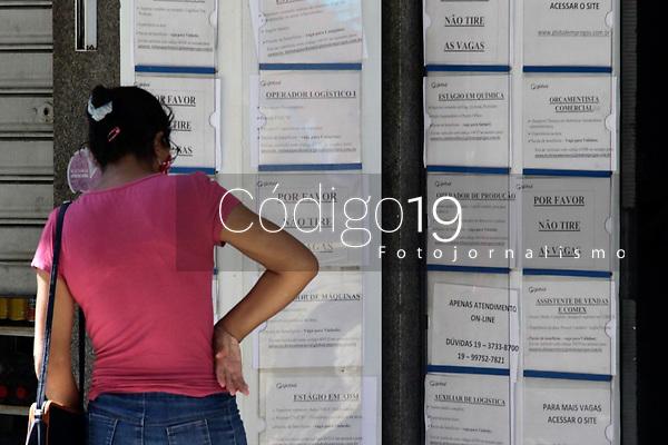 Campinas (SP), 25/03/2021 - Emprego - Agência de emprego fechada no centro da cidade de Campinas, no interior de São Paulo.